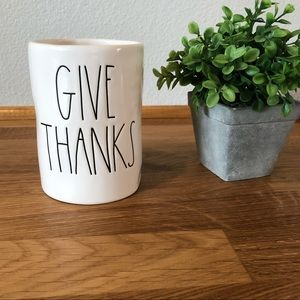 Rae Dunn GIVE THANKS candle